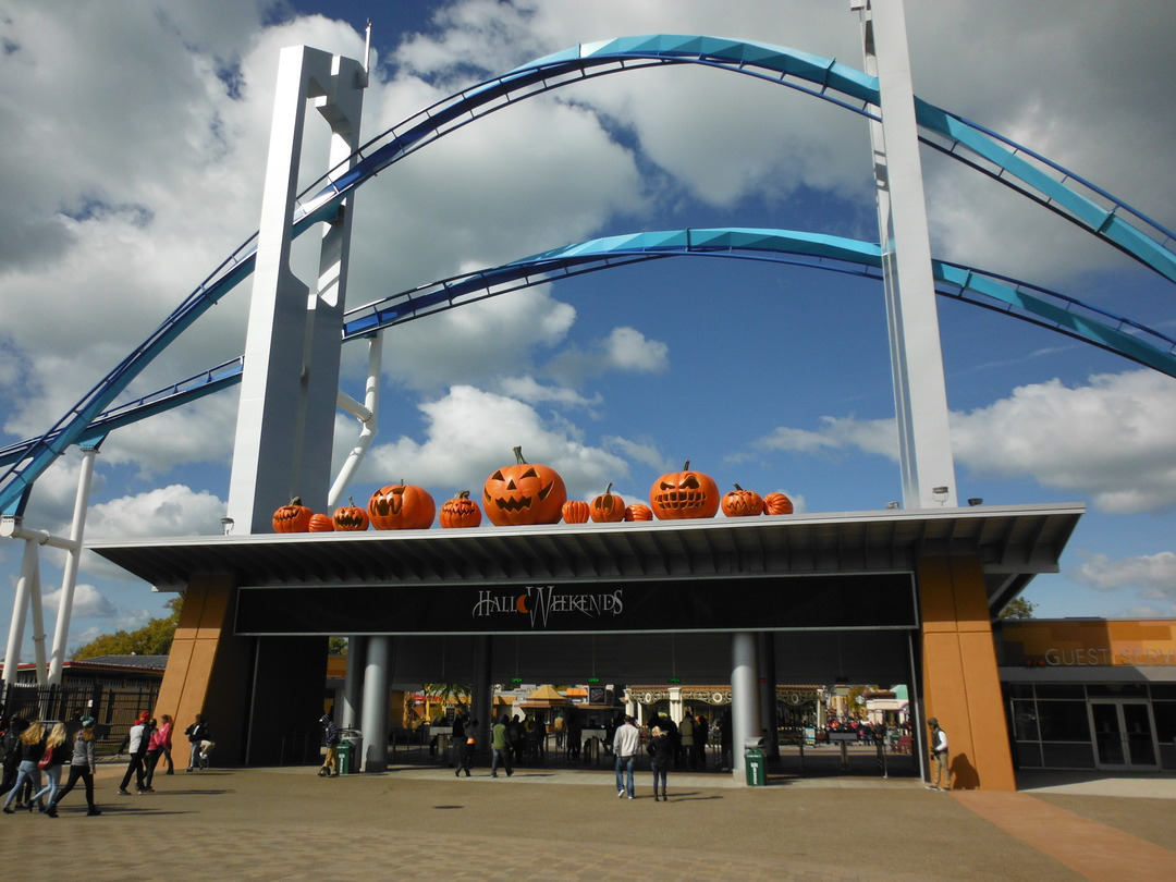 the fun begins right after stepping through the front gate cedar point has been hosting halloweekends since 1997 - Frontgate Halloween